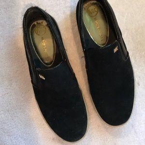 Michael Korda black slide on slippers